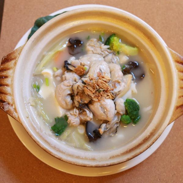 野菜入り牡蠣鍋